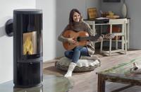 Heizen mit Holz und Briketts:  Feuer und Flamme für ein gemischtes Doppel