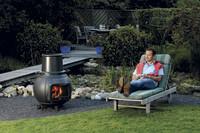 Der Gartengrill als Multitalent: Garant für kulinarische Köstlichkeiten und wohlige Wärme