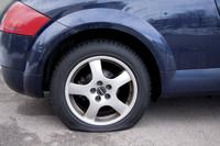 Keine Angst vor Reifenpannen: Ein rechtzeitiger Blick in den Kofferraum zahlt sich auf jeden Fall aus