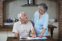 Senioren bekommen keinen Kredit, aber eine Rente aus Stein