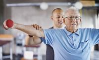 Mehr Selbstständigkeit im Alltag: Hilfe für Parkinson-Patienten