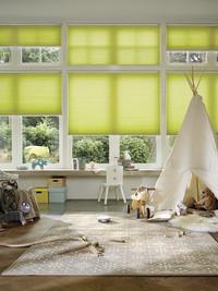 Kinder brauchen ungestörten Schlaf: Räume mit passendem Fensterdekor verdunkeln