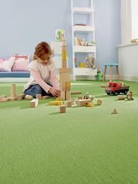 Mehr Ruhe für Groß und Klein: Teppich reduziert Lärm und Schall